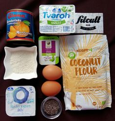 Skvělý tvarohovo mandarinkový koláč s chia semínky, ve kterém dominují bílkoviny (Recept) | REFRESHER.cz Coconut Flour, High Protein, Stevia, Fresh, Breakfast, Sweet, Food, Diet, Morning Coffee