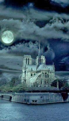 Cathédrale Notre Dame de Paris at Night France