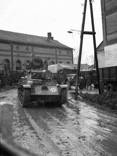 Ady Endre fasor, balra a Bartonicsek szálloda, jobbra a malom. Defence Force, Ww2 Tanks, Malm, War Machine, Military Vehicles, Wwii, History, Military Photos, Hungary