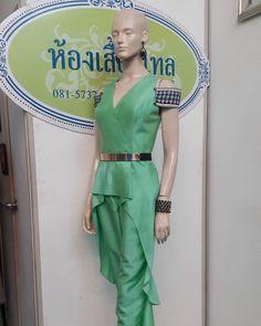 Thai silk design fashion.  Limited Edition.   Detail  IG : kong1980 and detailoflove Call :+66 815737558   #ดีเทล #detail #ผ้าไหมไทย #thaisilk #korat #โคราช #ผ้าไหม #Silk #fashionable #dressworld #wedding #designer #eveninggown #thailand  #thaidesigner #semicouture #dress #ผ้าไหมปักธงชัย #ผ้าไหมบ้านเขว้า #ผ้าไหมสุรินทร์ #beautiful #highfashion #รีวิวอีสาน #รีวิวโคราช #terminal21 #terminal21korat
