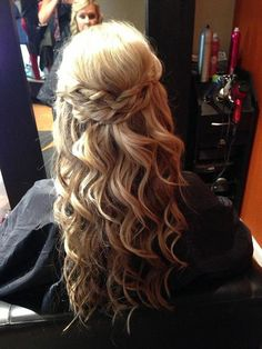 I want my hair this long! hair hair love this length! Braided Hairstyles For Wedding, Fancy Hairstyles, Down Hairstyles, Style Hairstyle, Wedding Hair And Makeup, Hair Makeup, Bridal Hair, Hair Wedding, Corte Y Color