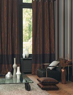 Collection BROADWAY. Arabesque, univers théâtral, rideaux, papier-peint, tissus, beige, marron glacé, noir