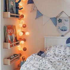 NO MORE WORDS NEEDED - ENJOY YOUR WEEKEND!  Vielen lieben Dank an die liebe Jenni von @herzmelodieee für dieses wundervolle Bild!  #goodmoods #weekend #friday #friyay #good #mood #wochenende #lichterkette #gemütlich #licht #blue #white #kidsofinstagram #kidsroom #roominspiration #zuhause #home #noplacelikehome #kinderzimmer #kinder #cottonballs #lebenmitkindern #boysroom #kinderzimmerdeko