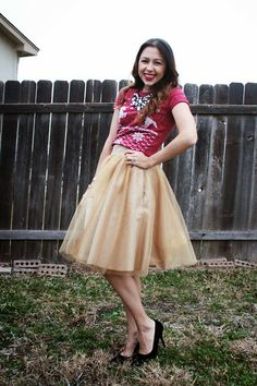 Christmas t-shirt with tulle skirt. #fashion #tulle