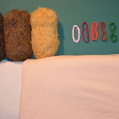 Stoffpuppen - Waldorfpuppen Bastelset - Material Bean Bag Chair, Bed Pillows, Pillow Cases, Material, Home Decor, Sewing Patterns, Tutorials, Pillows, Bean Bag Chairs