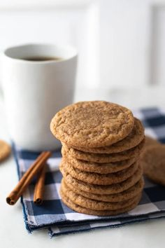 Coffee Cinnamon Cookies Recipe Easy Cookie Recipes, Dessert Recipes, Cinnamon Sugar Cookies, Coffee Cookies, Cinnamon Coffee, Roll Cookies, Oatmeal Bars, Food Dishes, Baking Soda