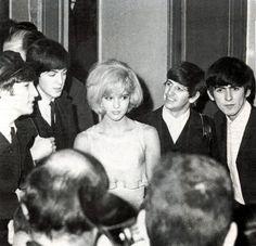 los beatles con Sylvie Vartan, Paris 1964
