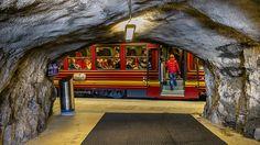 Die Jungfraubahn - Zwischenstation Eigerwand  © https://youtu.be/0JTb5xW4S-s - #Jungfraujoch #TopofEurope #Switzerland #Swisspictures