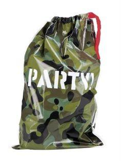 Schattig idee voor een camouflage army feestje: feestzakjes om uit te delen