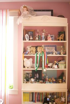 Your Home Is Better Off Without This Stuff: Too Many Knicknacks