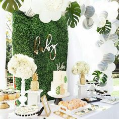 Hawaiian Baby Shower Tropical sweet table from a Modern Hawaiian Baby Shower on Kara's Party Ideas Idee Baby Shower, Baby Boy Shower, Baby Shower Jungle, Safari Theme Baby Shower, Baby Shower Neutral, Baby Shower Table Set Up, Shower Party, Baby Shower Parties, Shower Gifts