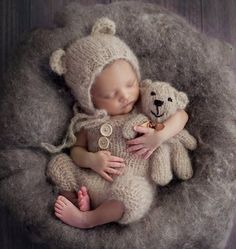 Easy Knitting Pattern for Newborn Dungaree romper, Baby Bear Bonnet, Baby bear toy stuffie