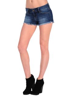Amber (Kate Upton) wears these dark blue jeans shorts by fashion brand SIWY denim with her tunic hoodie. The cut-off Camilla shorts - probably in the color Ardor - fit to her youthful role character and visualize her adventurous fun while spying on Mark with Carly and Kate at the hotel pool in the Bahamas. Click INSIDER for rare set pics and find out where to get your very own SIWY denim shorts.
