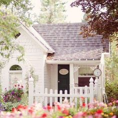 Modern White Cottage Exterior Style – Dekorationsideen – Home Decor Ideen und Tipps – Shabby chic