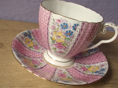 vintage pink tea cup and saucer set, Royal Grafton English bone china tea set, hand painted flowers Vintage Tea, Vintage Pink, Pink Tea Cups, Turkish Coffee Cups, Royal Stafford, Plate Design, Tea Service, Gold Pattern, Cup And Saucer Set