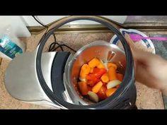 Concentrado de pollo y verduras en monsieur cuisine plus - YouTube Robot, Youtube, Dishes, Cooking, Recipes, Weird Things, Robots