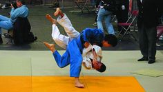 Judo Throws vs Brazilian Jiu Jitsu Takedowns which is more efficient? This article examines the differences between judo throws and bjj takedowns. Judo Throws, Combat Sport, Brazilian Jiu Jitsu, Martial Arts, Competition, Basketball Court, Sports, Photos, Hs Sports