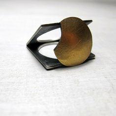 Anillo eclipse. Plata de ley con aplicación de Kum boo, lámina de oro puro unida a la plata sin soldadura, magia pura...