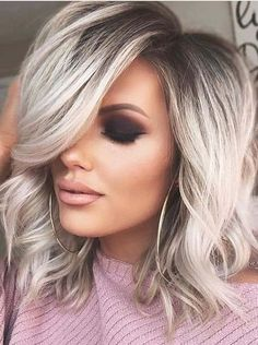 Perfect Medium Blonde Hairstyles Trends for 2019 Medium length hairstyles are no doubt one of the ideal hairstyles for women to try in year Since last many year ladies have been used to wear this best hair styles just for modern personality nowadays. Great Hair, Balayage Hair, Haircolor, Hair Looks, Hair Lengths, Hair Inspiration, Short Hair Styles, Blonde Hair Styles Medium Length, Medium Hair Styles For Women