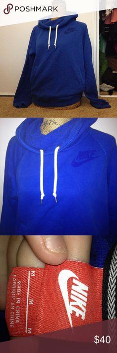 Nike sweatshirt Size medium Nike Sweaters Crew & Scoop Necks
