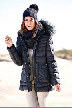 Dunjakke med pelskrage Berlin, Winter Jackets, Beautiful, Fashion, Scale Model, Winter Coats, Moda, Winter Vest Outfits, Fashion Styles