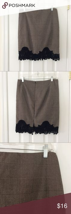 Plaid Skirt with Lace Hem 🚭 Items from smoke and pet free home 📬Fast same or next day shipping 🚩Any flaws are noted in description/photos ♻️Packaging recycled/reused-please recycle ❓ Please reach out with any questions! 👙Thank you for visiting my closet! Adrianna Papell Skirts