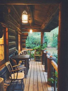 A guide to planning the perfect weekend getaway in Kohler, Wisconsin. I honestly had some of the best meals of my life here // Cabin Tennessee Cabins, Cabins In Wisconsin, Wisconsin Vacation, Cabin Porches, Log Cabin Homes, Log Cabins, Rustic Cabins, Cabins And Cottages, Cozy Cabin
