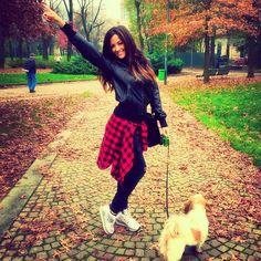 #GiorgiaPalmas Giorgia Palmas: Buona domenica!!!! ☺️ #me #giorgiapalmas #new #shoes @lottosport #milano #parcomoment #instadaily #happiness