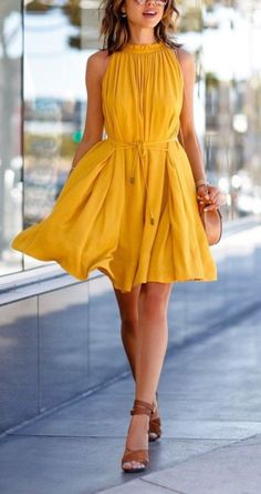 Awesome 33 Wear to Spring Dresses to Exposed Bright Colors http://clothme.net/2018/04/05/33-wear-to-spring-dresses-to-exposed-bright-colors/