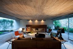 Tecno Haus: Chimney House - Marcio Kogan
