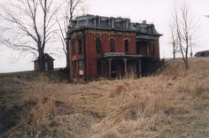 Abandoned place in Cleveland called Mudhouse Mansion