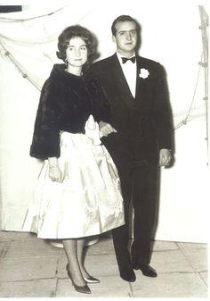 Sofía y Juan Carlos de Borbón se conocieron en 1954 durante el crucero que la reina Federica organizó para la realeza en el yate Agamenón. Eran muy jóvenes y apenas se fijaron el uno en el otro. Todo cambió en … Continua leyendo →