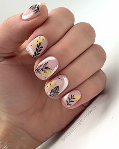 Nail art Christmas - the festive spirit on the nails. Over 70 creative ideas and tutorials - My Nails Autumn Nails, Fall Nail Art, Yellow Nails, Pink Nails, Neon Nails, Tribal Nails, Cute Nails, Pretty Nails, Hair And Nails