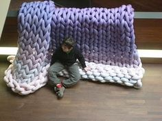 Huge Knit!  I have been meaning to make something like this for a few years now!
