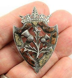 Antique (circa Victorian silver Scottish agate granite Luckenbooth brooch pin, grey granites from Aberdeen and pink granite from Kemney in Aberdeenshire. Victorian Jewelry, Antique Jewelry, Vintage Jewelry, Agate Jewelry, Body Jewelry, Scottish Thistle, Tartan, Plaid, Celtic Art