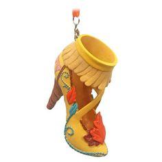 Disney Shoe Ornament – Pocahontas Disney Shoe Ornament – Pocahontas The post Disney Shoe Ornament – Pocahontas appeared first on Paris Disneyland Pictures. Disney Heels, Disney Princess Shoes, Princess Pocahontas, Disney Shoe Ornaments, Disney Christmas Decorations, Disney Fun, Disney Parks, Disney Gift, Disney Stuff