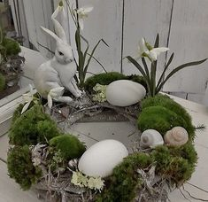 Beautiful Easter table wreath little swedenhaus easter decor white shabby chic bunny - Osterdeko - Ostern Shabby Chic Kranz, Shabby Chic Wreath, Easter Projects, Easter Crafts, Estilo Shabby Chic, Deco Floral, Easter Table, Easter Eggs, Diy Wreath