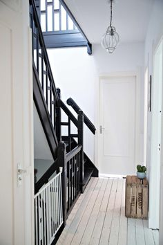 Wooden horse Wooden horse can refer to: Interior Stairs, Interior Design Living Room, Interior And Exterior, Hallway Inspiration, Interior Design Inspiration, Black Staircase, Stair Decor, Simple Interior, Old Farm Houses