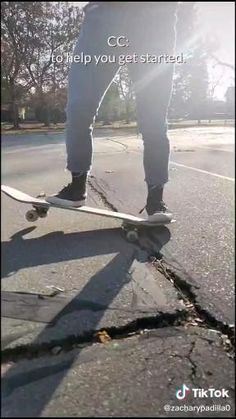 How To Skateboard, Skateboard Gear, Beginner Skateboard, Skateboard Videos, Penny Skateboard, Cool Skateboards, Skateboard Design, Skater Kid, Retro Roller Skates