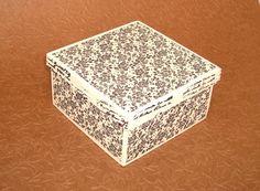 Caixa mdf com aplicação em tecido. Pintada e com aplicação em tecido 100% algodão.  Toda envernizada. R$ 27,00