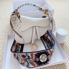 Dior Purses, Chanel Handbags, Purses And Handbags, Chanel Purse, Chanel Bags, Gucci Bags, Dior Bags, Chanel Backpack, Hermes Bags