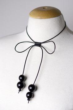 DIY Delicate Bow Necklace {via www.fashionrolla.com}