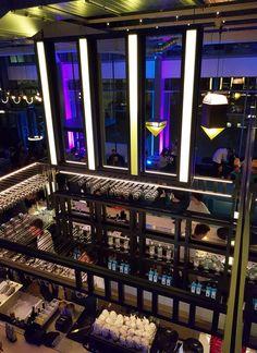 Verlichting bar van The Student Hotel in Maastricht gerealiseerd. De gehele bar verlicht met LED lichtpanelen van Led-e-Lux. Het eindresultaat is heel erg mooi geworden, dit in samenwerking met: Bar: The Commons van The Student Hotel Ontwerp: Studio Modijefsky Interieuwbouwer: Fiction Factory Student, Led, Fiction, Mirror, Home Decor, Decoration Home, Room Decor, Mirrors, Home Interior Design