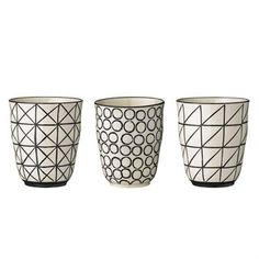 Enjoy tea or coffee in the stylish Julie cups from the Danish brand Bloomingville. The cups has a simple and clean design made in glazed stoneware with graphic patterns in black and white. Match the cups together with other fine pieces from the Julie collection.
