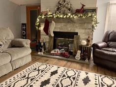 Room Rugs, Rugs In Living Room, Living Room Decor, Area Rugs, Bedroom Decor, Bohemian Living Rooms, Dining Room Design, Modern Rugs, Vintage Rugs