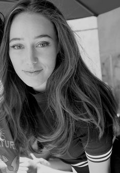 Oh Commander, My Commander! Alycia Debnam Carey, Mcleod's Daughters, Lexa Y Clarke, Lexa The 100, Cw Series, Clexa, Fear The Walking Dead, Commander Lexa, Belleza Natural