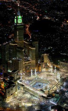 Makkah, the holy city Allah Islamic Images, Islamic Pictures, Islamic Art, Mecca Madinah, Mecca Masjid, Beautiful Mosques, Beautiful Places, Masjid Haram, Mekkah