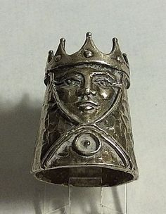 Vintage Heirloom Design Sterling Silver Queen Chess Piece Thimble Sewing