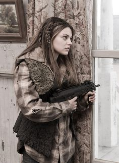 The 10 Sexiest Post-Apocalyptic Reality Hotties Mila Kunis Hair, The Book Of Eli, Post Apocalyptic Fashion, Badass Style, People Of Interest, Bellisima, Character Inspiration, Beauty Women, A Team