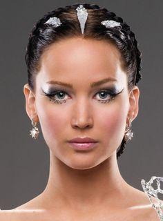 Katniss Everdeen - http://25.media.tumblr.com/6b26d7a46267c8bf7ef8a90d9ca9a1fa/tumblr_mt6us1hbvJ1so97qzo1_500.jpg